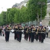 Le défilé militaire sur l'Avenue des Champs-Elysées