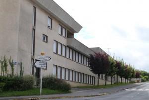 Collège de Dormans, façade route de Chavenay