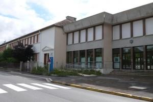 Façade principale du collège de Dormans