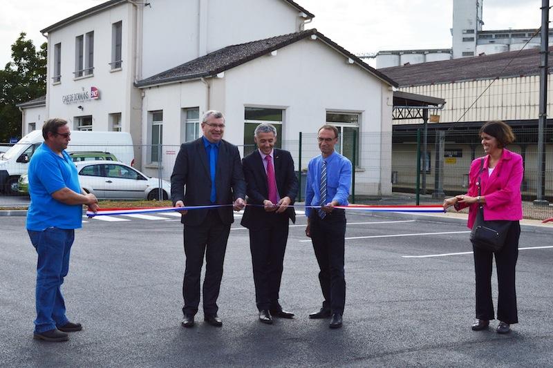 inauguration de l'extension du parking de la gare de Dormans en présence du Maire Christian Bruyen, Patrick Auvrele et Frédéric Charpentier