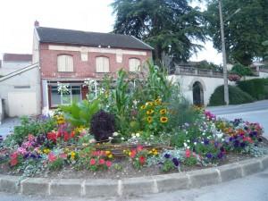 Fleurissement de Dormans, été 2014, gare