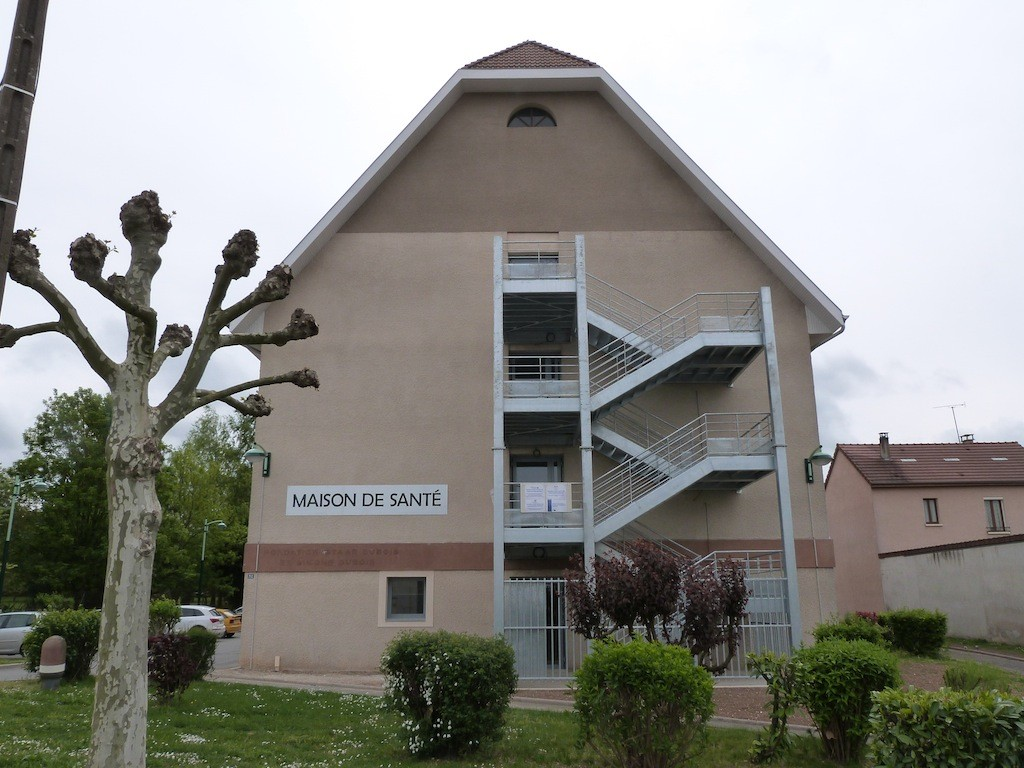 La maison de santé, 32 boulevard des Varennes à Dormans