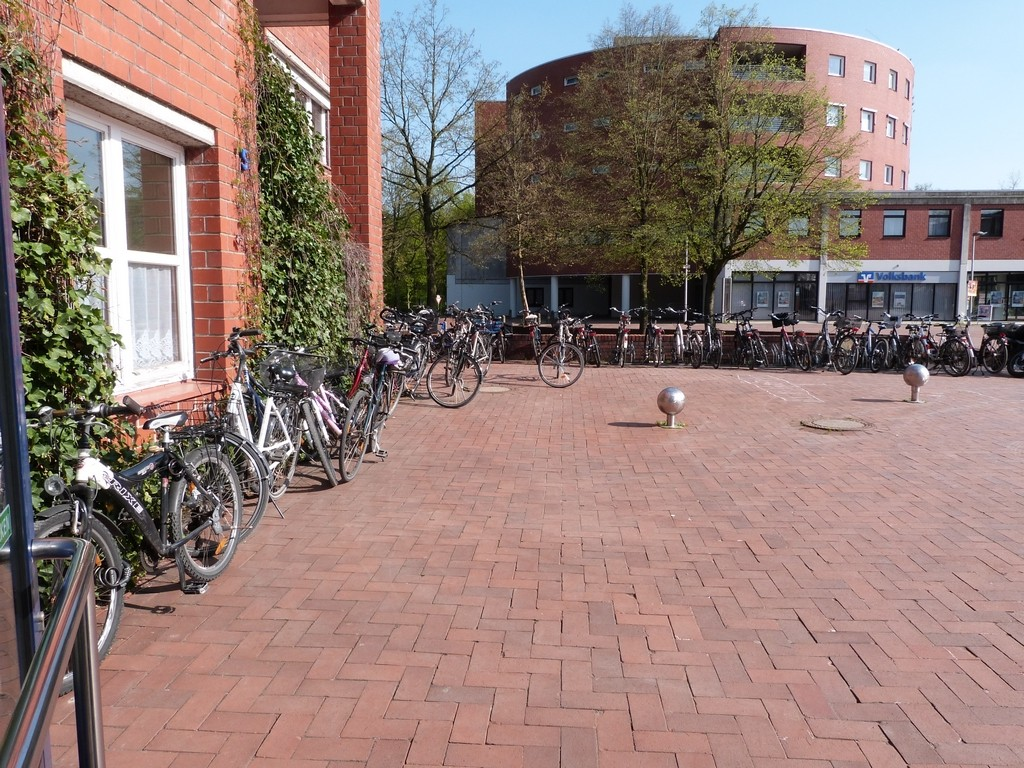 Vélos stationnés devant le centre culturel de Dorsten