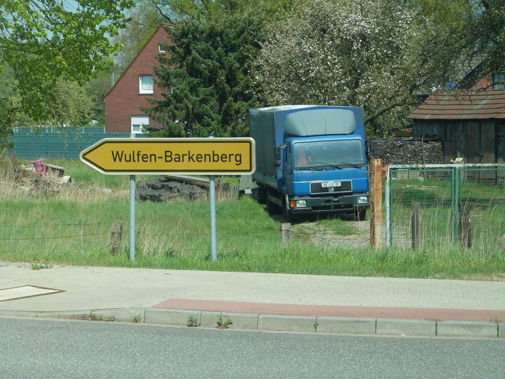Panneau de signalisation routière de direction