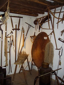 Moulin d'en haut : exemple des outils exposés