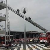 Centre de Secours de Dormans, journée porte ouverte du 12 juin 2010, les pompiers accèdent à la