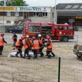 Centre de Secours de Dormans, journée porte ouverte du 12 juin 2010, les pompiers déposent le