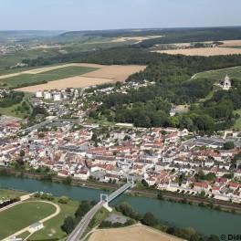 Vue aérienne de Dormans - Didier Tatin