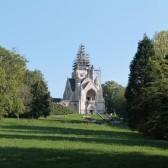 Le sommet du Mémorial de Dormans en travaux