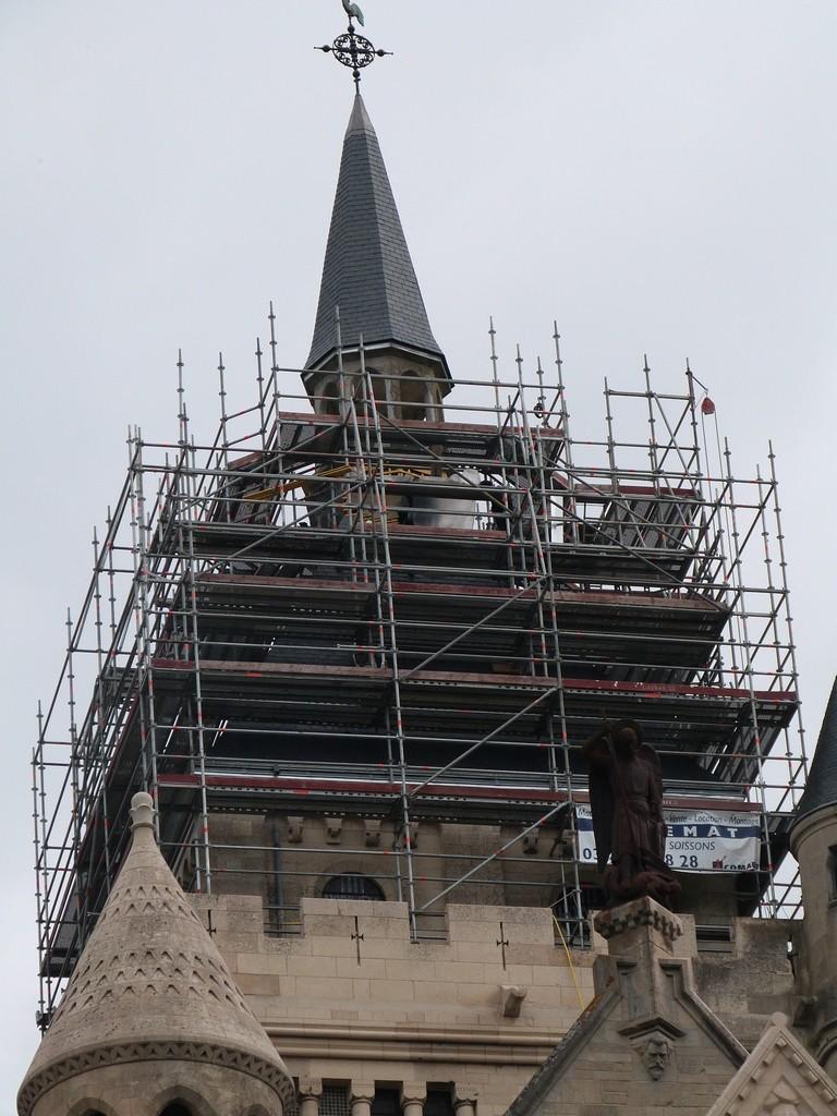 Le chantier de couverture du mémorial de Dormans est sous la flèche