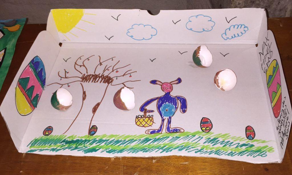 Le dessin gagnant réalisé par Nathanaël, 5 ans et exposé lors de l'animation de Pâques au marché de Dormans