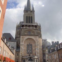la cathédrale d'Aix-la-Chapelle