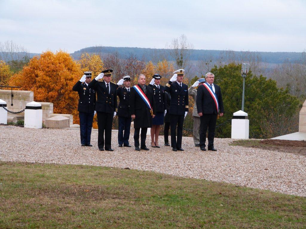 Les autorités officielles au Mémorial de Dormans le 11 novembre 2016