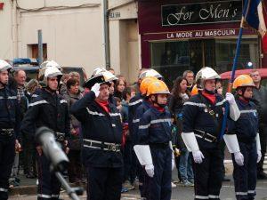 Les pompiers et les JSP au monument aux morts, Dormans 11 novembre 2016