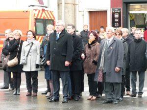 Le conseil municipal de Dprmans au monument aux morts 11 novembre 2016