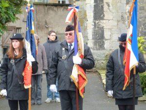 3 générations de porte-drapeaux au monument aux morts de Dormans 11 novembre 2016