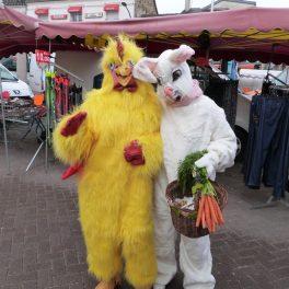 animation du marché de Dormans avril 2017 La poule et le lapin