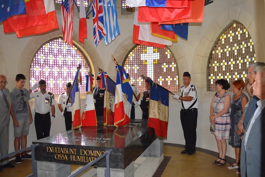L'hommage aux morts lors de la cérémonie du 18 juin 2017 au Mémorial de Dormans