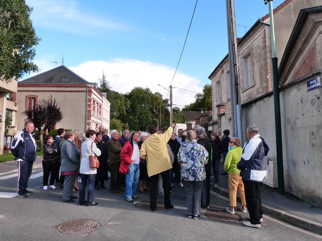 Les alentours du château lors des Journées Européennes du patrimoine à Dormans