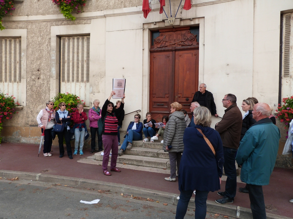 La pierre de la Bastille et le quartier de la mairie, lors des Journées Européennes du patrimoine à Dormans