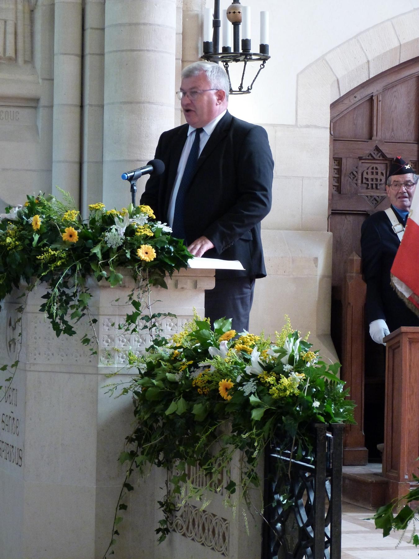 Durant la messe : accueil par Christian Bruyen, président du conseil départemental de la Marne : 8 juillet 2018 Mémorial de Dormans