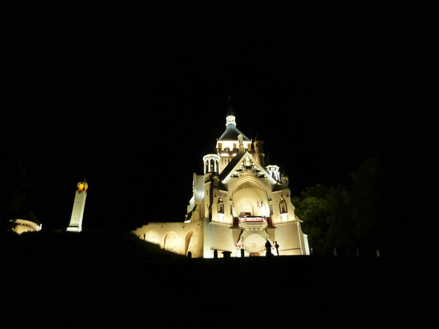 Le Mémorial de Dormans avec son nouvel éclairage